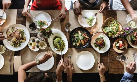 7 Restaurant Rules You Must Follow If You're Trying To Lose Weight