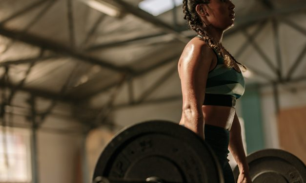Top 7 Reasons Why Every Woman Should Lift Weights