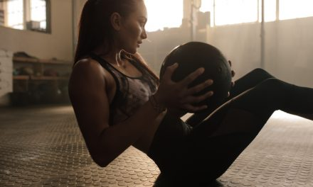 How to Use a Medicine Ball to Tone Your Entire Body