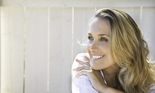 A Complete Guide to Oral Health for Women Over 40